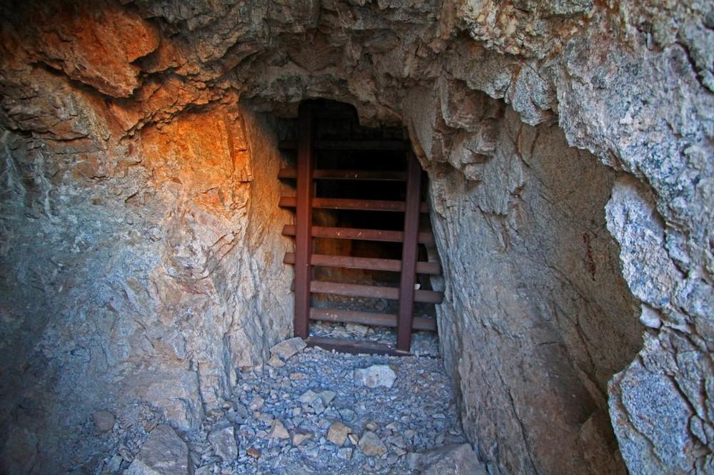 mineshaft (3).jpg