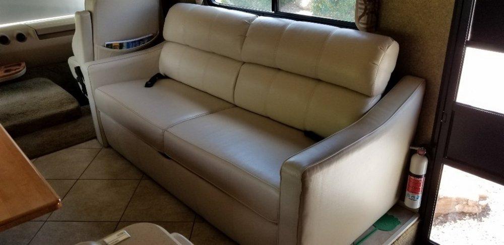 Sofa (1024x498).jpg