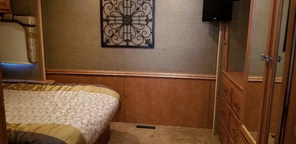 Bedroom Area (1024x498).jpg